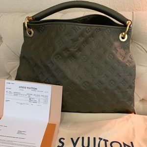 Louis Vuitton artsy MM beaubourg monogram